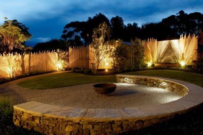 Несколько приемов эффектного светового оформления сада