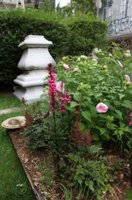 Садовая скульптура: найти место для статуи на загородном участке