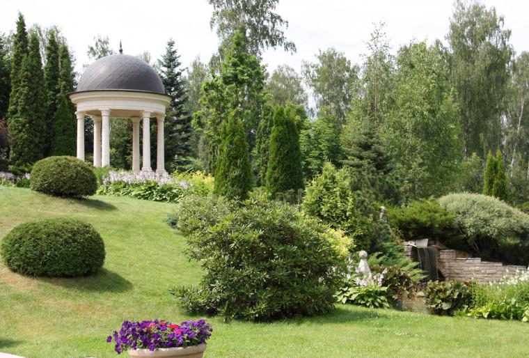 Ротонда в саду для семейного отдыха и встреч с друзьями